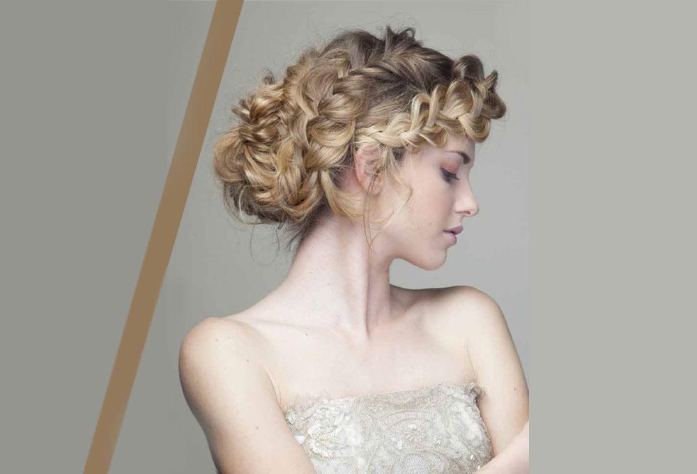Elegante ma eccentrica, la pettinatura può definire la sposa